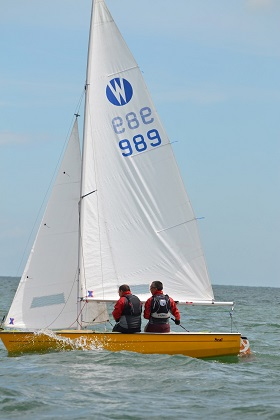 Ian Hender and Mark Fagg sailing a Wanderer